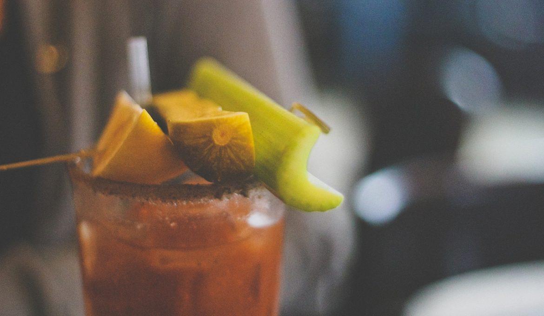 5 klassische Cocktails, die perfekt zu Halloween passen