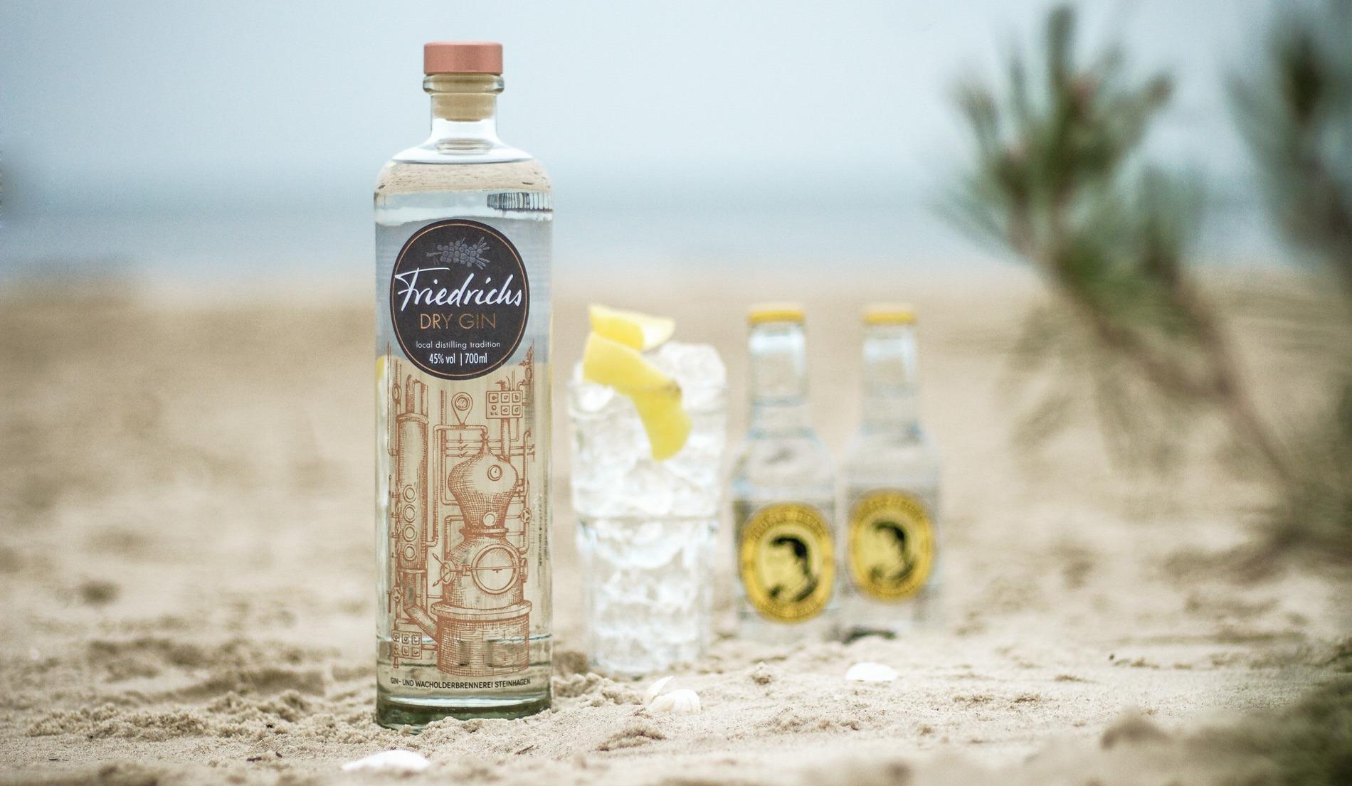 friedrichs dry gin am strand